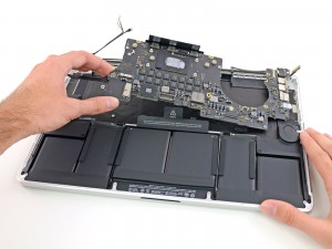 Apple Logicboard-Reparatur in Berlin